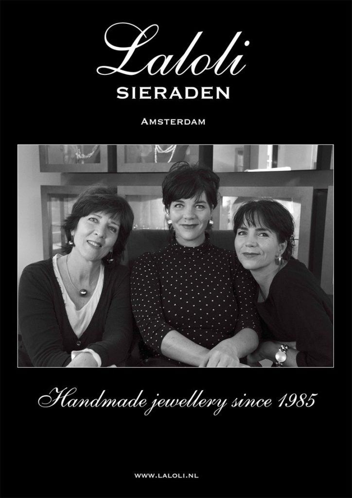 Portretfoto van drie vrouwen die goudsmid zijn