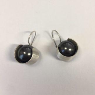 Zilveren parel oorbellen