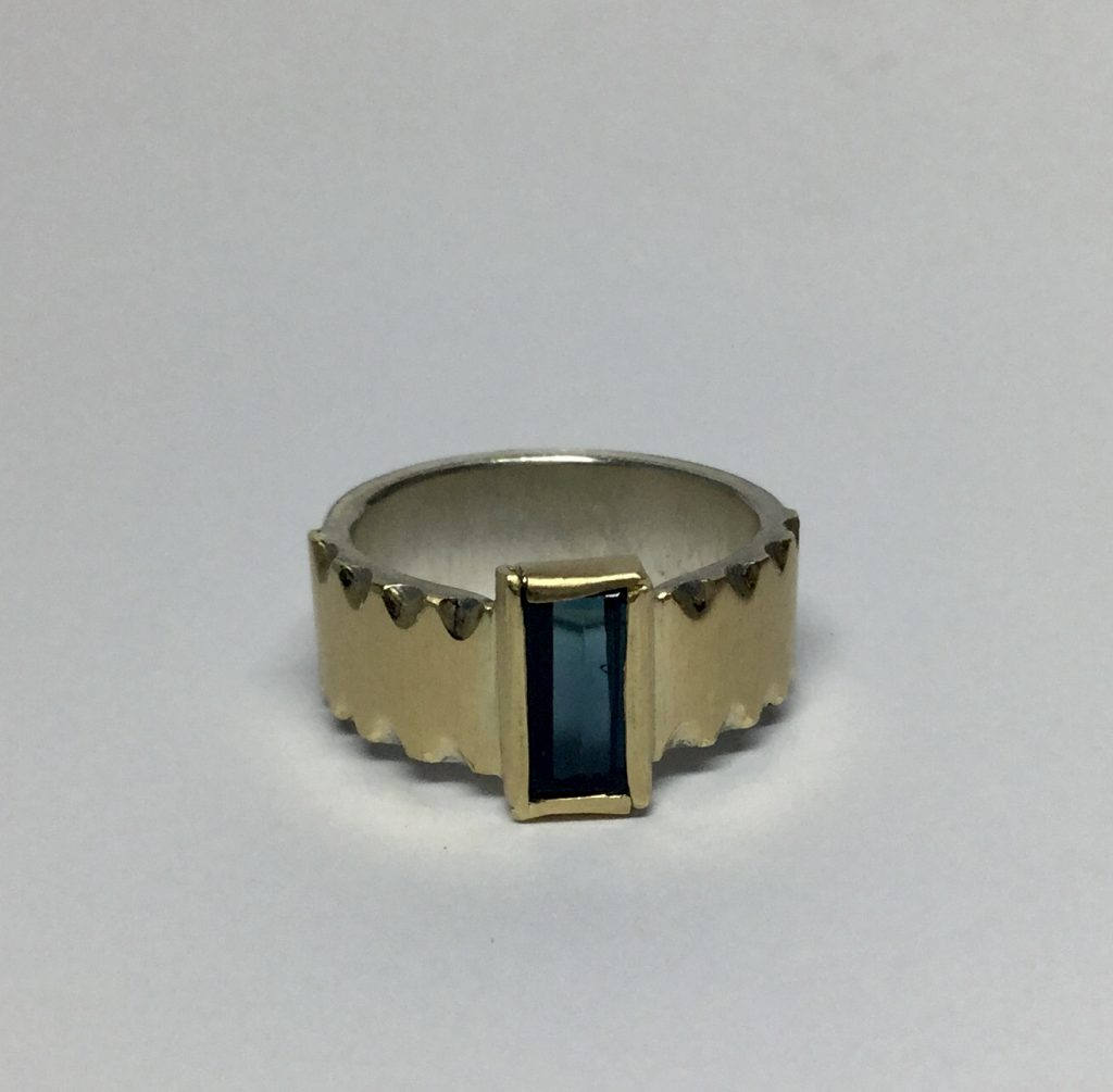 Foto van ring met toermalijn